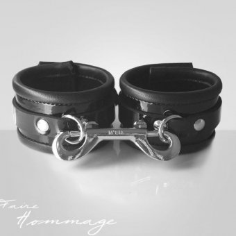 Faire Hommage Leather Cuff Double