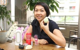 香港性商店店主Vera也是參觀者之一,她指TENGA產品夠潮夠入屋,適合外表Open內裏保守的香港人。